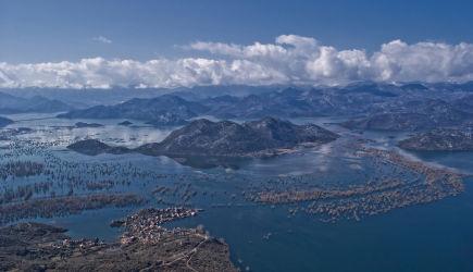 Skadarsko-jezero-i-selo-Dodosi